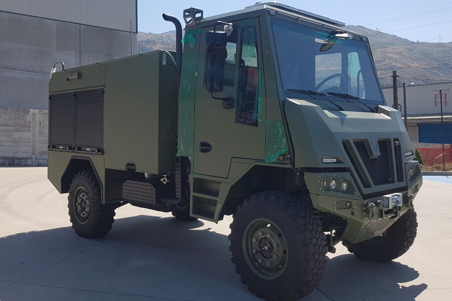 BOMBA FORESTAL MEDIA 3000 LTS, SOBRE CHASIS URO VAMTAC SK-95