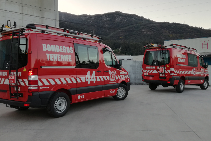 RESCUE UNITS, URE-4x2 AND URE-4x4