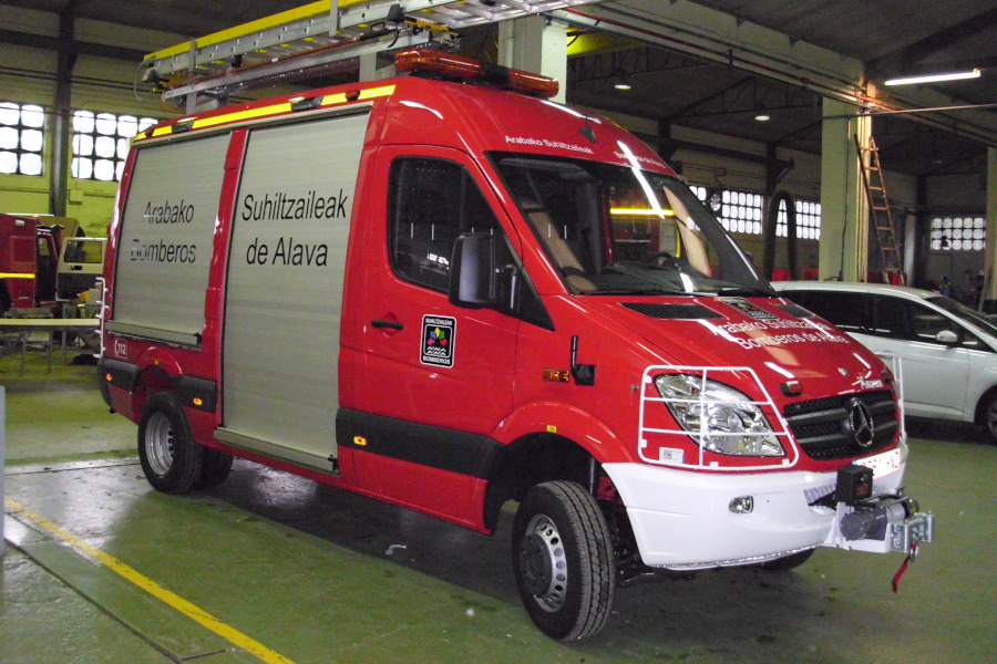 VARIOUS SERVICES VAN ON CHASSIS SPRINTER 519 DCI