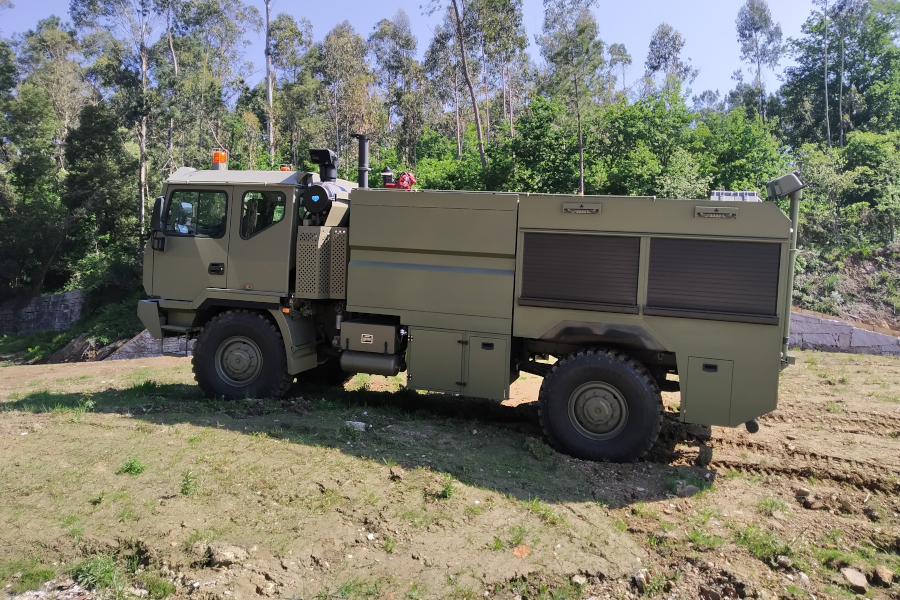 FIRE-FIGHTING STRUCTURE VEHICLE, ON IVECO ASTRA 4x4