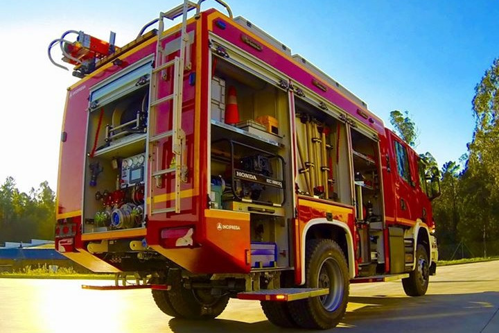 VFCI CABINE DUPLA 3500 LTS, SOBRE CHASSIS SCANIA P320