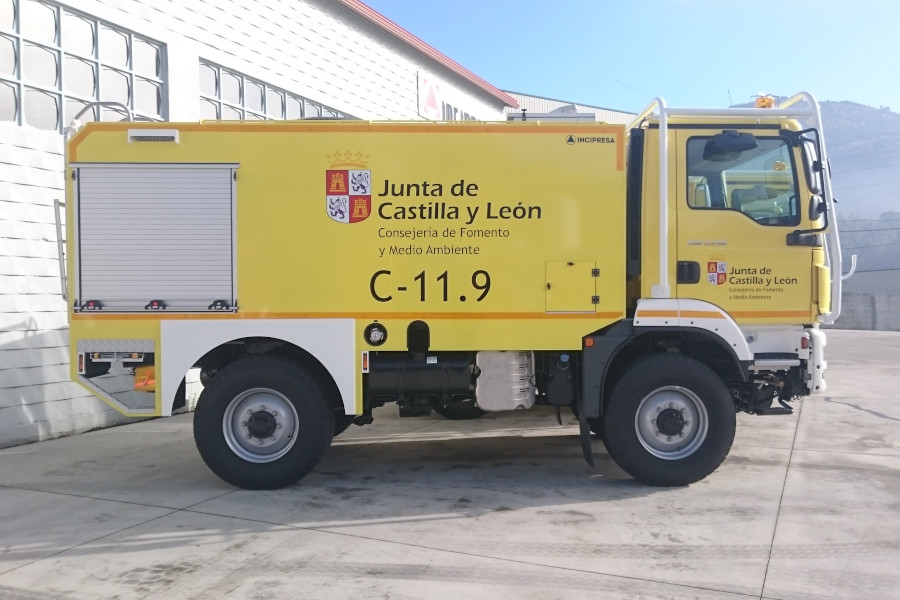 VFCI CABINE SIMPLES 4700 LTS, SOBRE CHASSIS MAN TGM